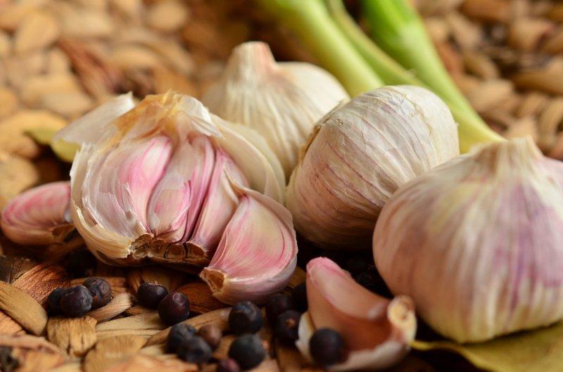 garlic-1336910_1920