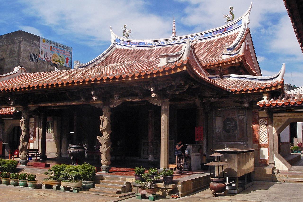 1280px-鹿港龍山寺拜殿