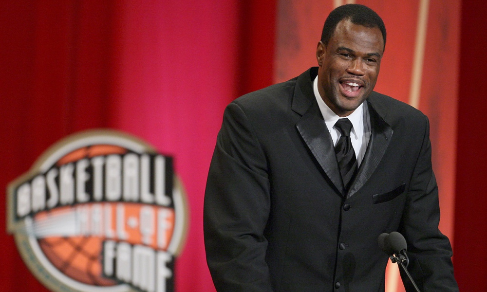 SPRINGFIELD, MA - SEPTEMBER 11: David Robinson is inducted into the Naismith Memorial Basketball Hall of Fame on September 11, 2009 in Springfield, Massachusetts. NOTE TO USER: User expressly acknowledges and agrees that, by downloading and or using this Photograph, user is consenting to the terms and conditions of the Getty Images License Agreement. (Photo by Jim Rogash/Getty Images)
