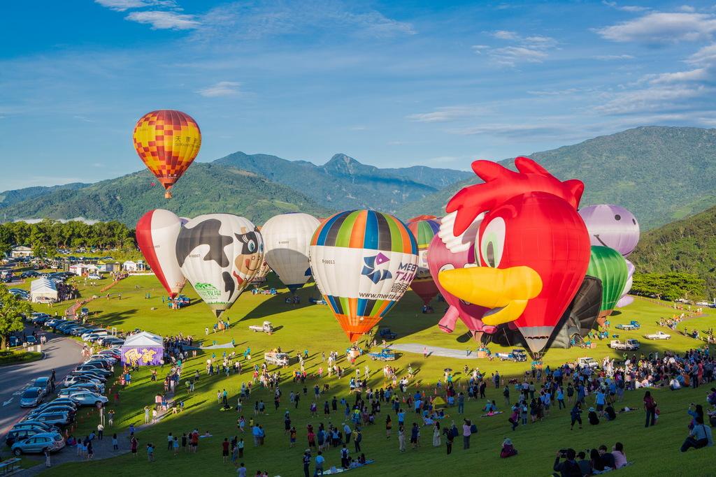 熱氣球嘉年華舉辦時人山人海的