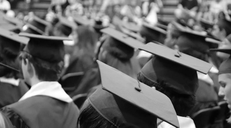 讀「沒用的」科系畢業再攻讀碩、博士會更好嗎?專家5點打破殘酷現實