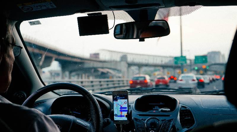 外送員被撞死無賠、美國司機有家歸不得...Uber真的讓生活更好嗎?