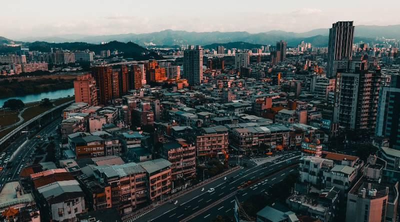 別等著被制度幹!在台灣如果有200萬 勸你拿去買房置產