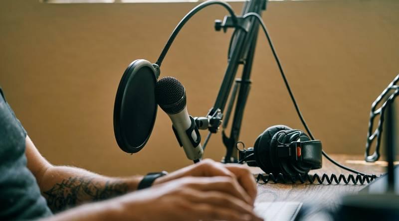 通勤十分鐘、SoundOn爆爭議!台灣Podcast市場的「廣告代理」問題在哪