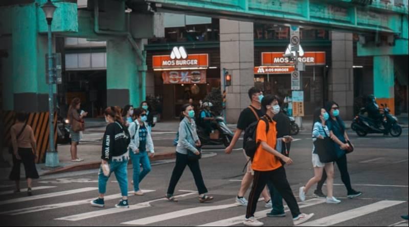 微解封是為人民著想嗎? 藍綠白的「官場話語術」如何造就不斷腐爛的台灣